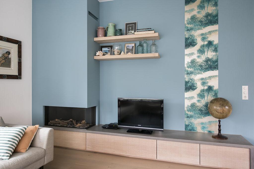 woonkamer, kleuradvies, blauwgroene muur, bahang