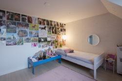 meisjeskamer, dakkapel, kleuradvies, behang,Tres Tintas