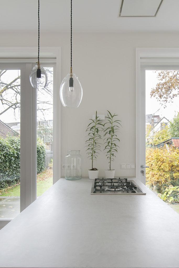 keukenblad, fornuis, verlichting